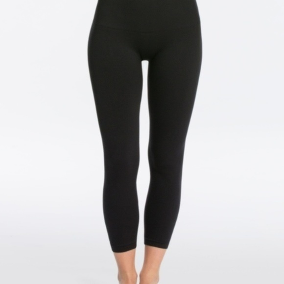 SPANX Pants - NWT SPANX Look at Me Now Cropped Leggings, XL